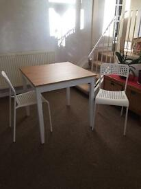 Table and 2 chairs - unused