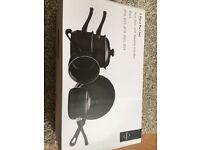 Brand new pan set of 5