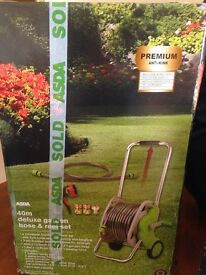 Deluxe garden hose pipe & reel set