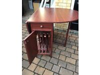 Table and 4 chairs for sale folding for easy storage