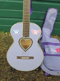 JJ Heart Full Size Acoustic Guitar in excellent condition + Carry case.