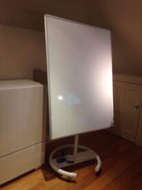 Like new - large whiteboard on wheels - 1.7 x 0.9 m