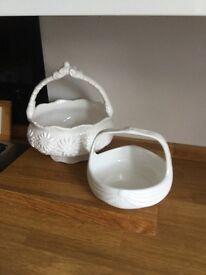 Ceramic dishes/baskets