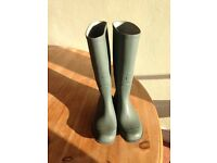 LADIES GREEN WELLINGTON BOOTS SIZE 6