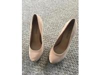 High shoes size 4