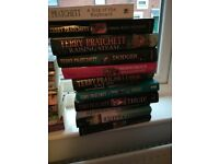 Approx 30 Terry pratchet books £40 ono