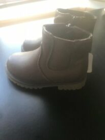 New Mothercare boys leather boots size 6
