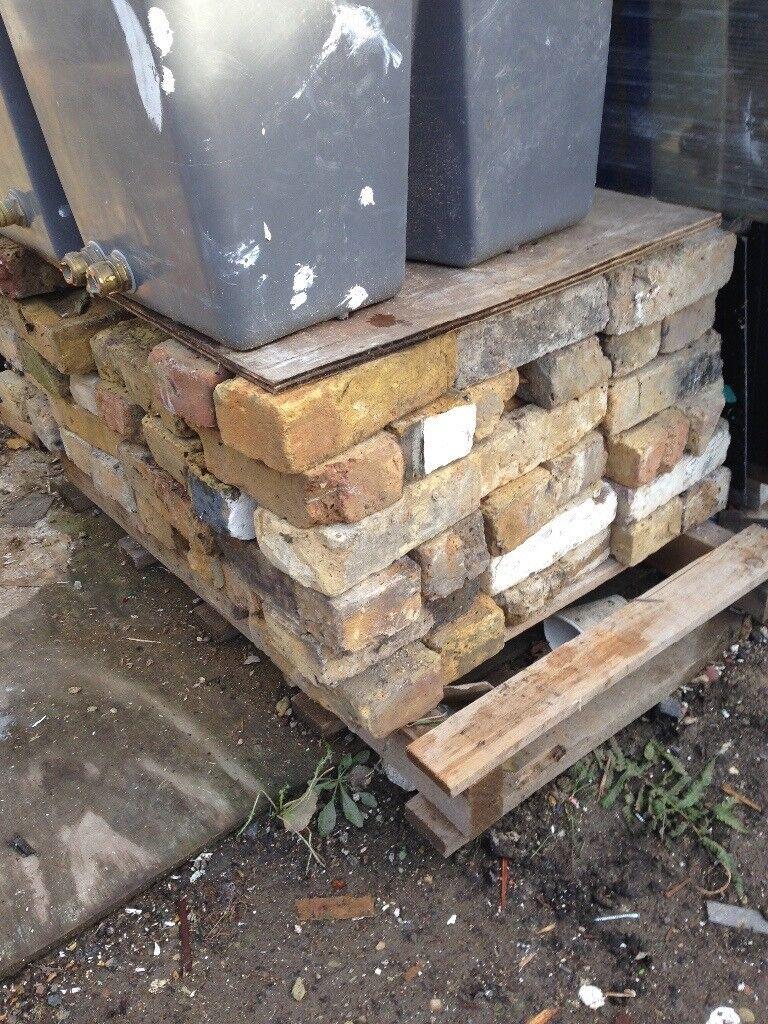 Yellow stock bricks 120