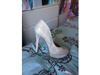 women's size 5 High heels