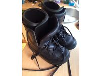 Snowboard boots size 7 great for beginner priced to sell