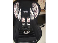 car seat baby weavers stage 1-2 very good condiiton no accidents 30.00 ono
