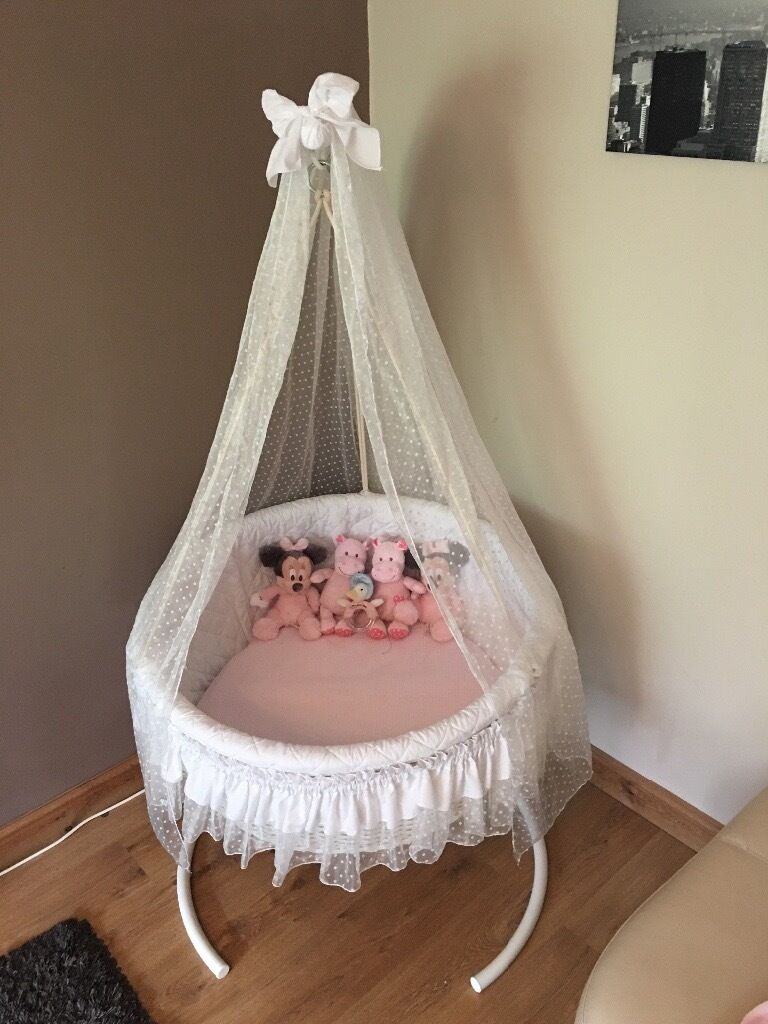 Leipold crib for sale - Leipold Circular Round Large Swinging Crib Twins