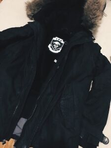 ARITZIA TNA DOWN-FILLED BOMBER JACKET WITH HOOD