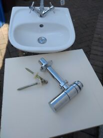 Wash hand basin in excellent condition