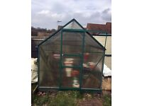 8ft x 6ft Greenhouse with Base, Vent Roof & 2 x 4ft Metal slatted Staging.