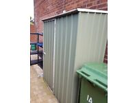 Used approx 5.5x2.5' Green Metal Garden Shed