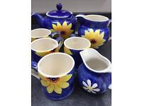 Whittards sunflower tea set, teapot, 4 mugs, large milk jug, small jug