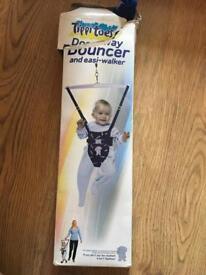 Tippitoes baby bouncer for doorway