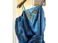 Gorgeous formal dress, like new, worn once size 14-16