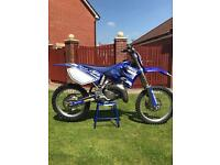 Yamaha YZ 125 motorcross bike