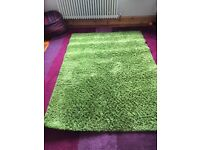 Green / boucle W137xL197 . 15 pounds each.Both good condition . J