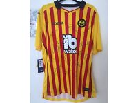 Signed Partick Thistle football shirt