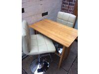 Oak breakfast bar and 2x cream leather stools