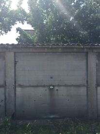 Garage for rent in Newmarket