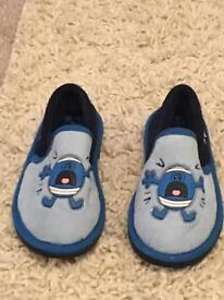 M&s boys slippers size 10