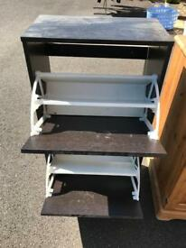 Show cabinet / rack
