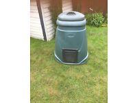 Green compost bin for garden good condition