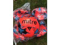 10 X mitre Malmö training balls size 5