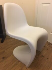 S-shaped chair in the style of the Panton Chair