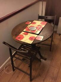 Antique folding table with 2 folding chairs