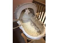 New Moses basket, stand & sheets