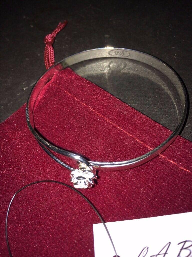 beautiful silver bangle