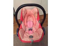 Maxi cosi car seat suitable from birth in very good clean condition