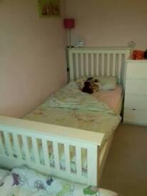 Julian Bowen single bed