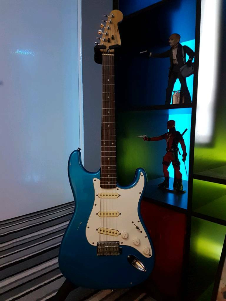 1988 squier stratocaster in newcastle tyne and wear gumtree. Black Bedroom Furniture Sets. Home Design Ideas
