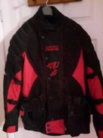 Motor bike jacket. AKITO CUGAR PLUS. Medium unisex. Red/black.
