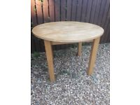 Free dining table -extendable