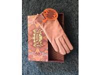 New Suede gloves