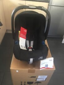 Britax baby-safe car chair and isofix base