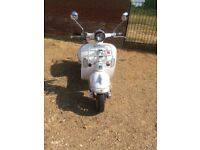 Lexmoto Milano 125 scooter / moped / motorbike