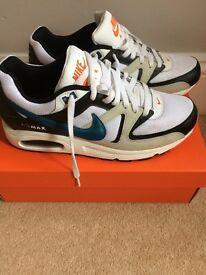 New Nike air trainers small size 9 to fit 8-8.5