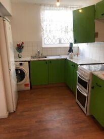 THREE BEDROOM HOUSE TO LET NEAR HAINAULT STATION