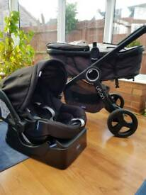 . Chicco Urban 3 in 1 travel system, pushchair and car seat