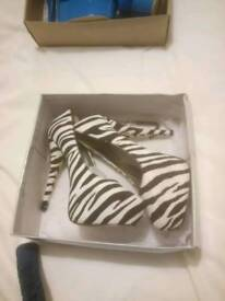 High heels shoes size 6