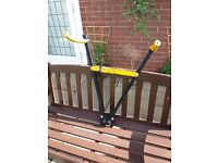Fold up tow ball bicycle carrier