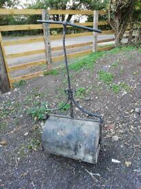 Garden grass roller